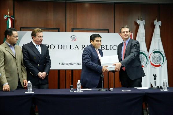 2014Sep05-Entrega-Presupuesto-Barbosa-2
